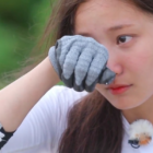 Yeonwoo de MOMOLAND llora mientras habla de la falta de confianza que tiene en su talento