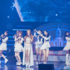 Exclusivo: Miembros de Lovelyz se convierten en encantadoras reinas de nieve y forman lazo con fans en concierto de invierno
