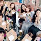 """Han Sun Hwa, Sunny de Girls' Generation y más sonríen en fotos de la reunión de los 10 años de """"Invincible Youth"""""""