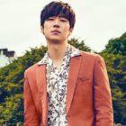Lee Je Hoon describe su amor por los viajes, sus metas como actor y persona y más