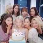 Las integrantes de Girls' Generation se reúnen para celebrar el cumpleaños de Tiffany