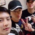 Minhyuk de BTOB se reúne con Yook Sungjae y Hyunsik durante un descanso en su servicio militar