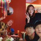 """Sung Hoon, Han Hye Jin y el elenco de """"I Live Alone"""" se reúnen para celebrar el cumpleaños de Park Na Rae"""