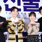 """Suho de EXO, Shin Ha Kyun, Kim Seul Gi y Yoo Soo Bin comparten porqué ellos eligieron protagonizar la película """"The Present"""""""