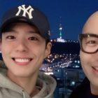 """Hong Suk Chun elogia la personalidad de Park Bo Gum después de su cameo en """"Itaewon Class"""" + Comparte historias sobre la visita del actor a su restaurante"""