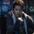 """Song Joong Ki se transforma en un piloto espacial con un pasado para la próxima película """"Space Sweepers"""""""