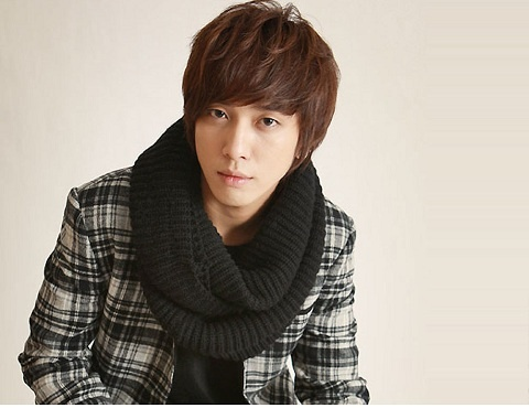 """Jung Yong Hwa """"Chaebol Rumors? My Father Is…"""""""
