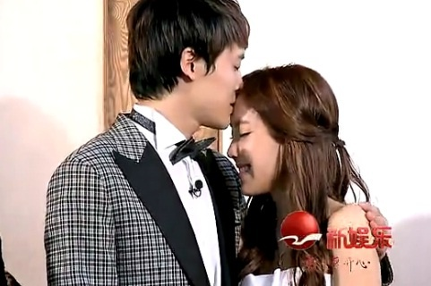 T-ara Hyomin and Bobo Fu Xinbo Share a Kiss on Chinese WGM