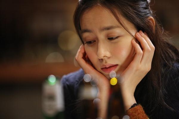 """Son Ye Jin: """"I Ripped Lee Min Ki's Shirt and Kissed Him"""""""