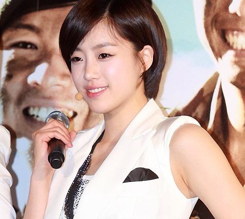T-ara's Eun Jung Shows Off Her Long Hair