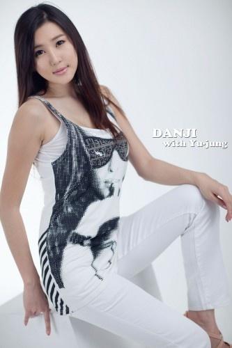 Stunning In White (Choi Yu Jung)