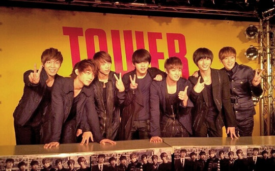 """U-Kiss's Debut Single """"Tick Tack"""" Places 3rd on Oricon Charts"""