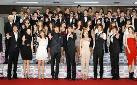 """Highlights of """"SMTOWN Live in Tokyo"""" Are Revealed"""