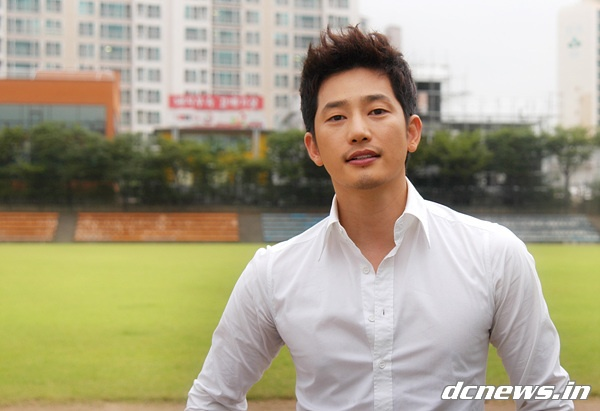 Park Si Hoo Picked as Most Handsome Korean Star in Japan, Beating Lee Ki Kwang, Choi Siwon and More