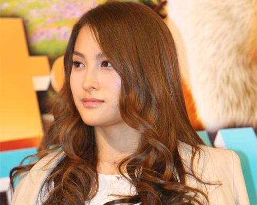 "Kara Park Gyuri's First Performance of ""200 Pounds Beauty"" a Success"
