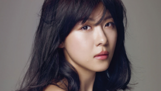ha-ji-won-looks-soft-feminine-and-dreamy-for-elle_image