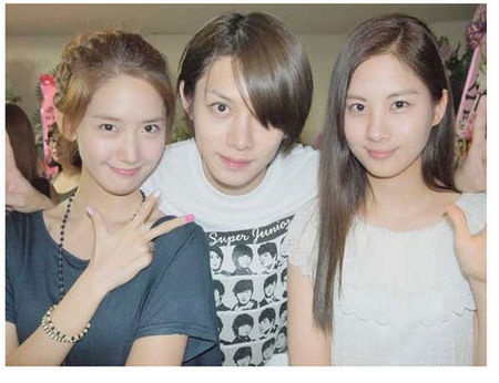 Beauty Showdown Between Yoona, Seohyun and Heechul?