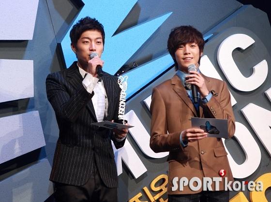 "JTBC ""Music on Top"" – Dec. 22, 2011"