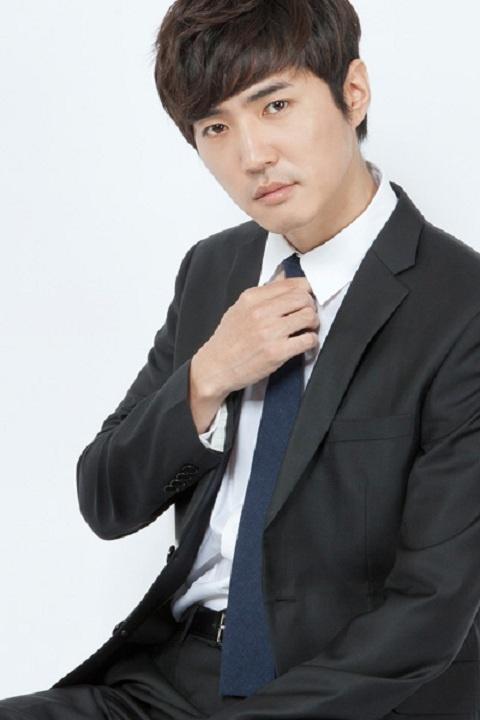 G.O.D Danny Ahn's Website Luckybin Reaches $2 Million in Sales