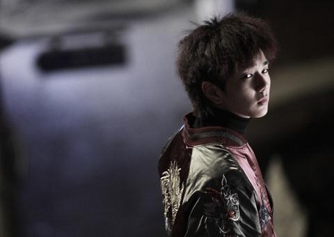 "Yoo Seung Ho's Striking Transformation As Tough Guy In ""Blind"""