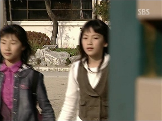Kara's Ji Young Was an Extra for a Drama During Her Elementary Years