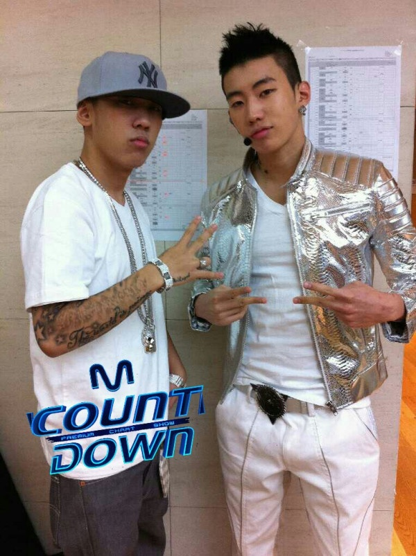 Mnet M! Countdown! 05.12.2011