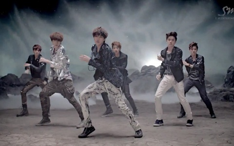 "Eat Your Kimchi Reviews EXO-K's ""MAMA"""