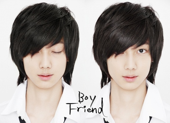 Boyfriend's Kwang Min, Goes to the Hospital for Finger Injury + Ligament Rupture