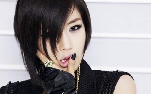 "T-ara's Eunjung Suffers Accident During Filming of ""Queen Insoo"""