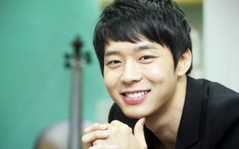 """JYJ's Yoochun Voted """"Most Popular Actor in Asia"""" for 2011 Seoul Drama Awards"""