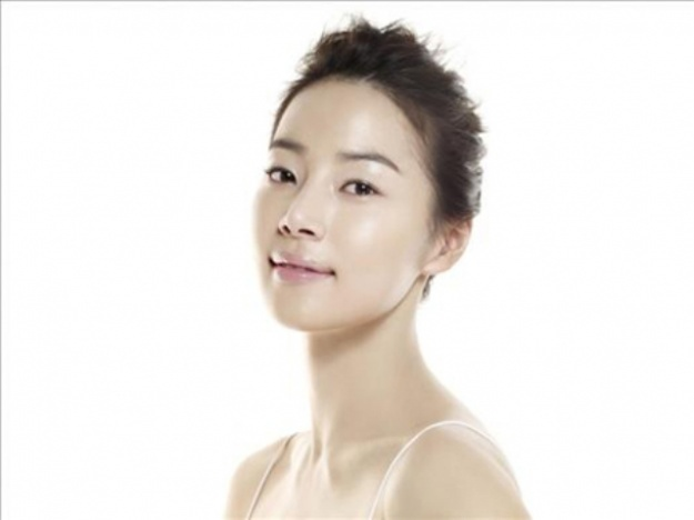 "Han Ji Hye ""Goes Blind"" in SBS's Chuseok Special Drama"