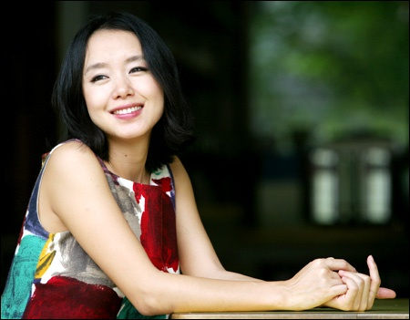 Jeon Do Yeon's Father Dies of Cancer