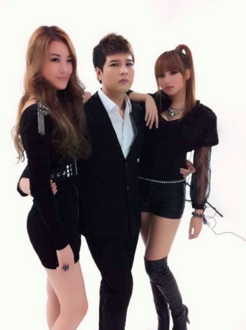 """Super Junior's Shindong and Rania, """"Without Manner Hands?"""""""
