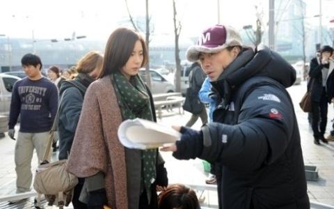 """Fashion King's"" Shin Se Kyung Takes Netizens' Criticisms to Heart"