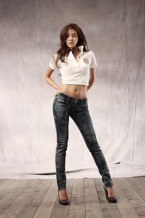 "Son Dam Bi Looks Ridiculously Hot When She Just ""Pretends"" to be Sexy"