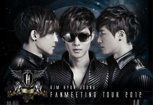 """Thousands of Fans Welcome Kim Hyun Joong in Singapore for """"Fan Meeting Tour 2012"""""""