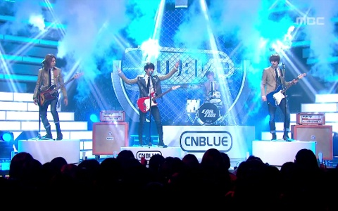 "CNBlue Performs ""Hey You"" on Music Core"