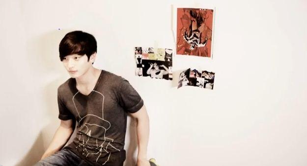 "2AM's Jin Woon reveals ""JinWoon's Diary #1"""