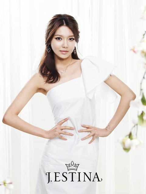 SNSD's Sooyoung is a Caring Angel