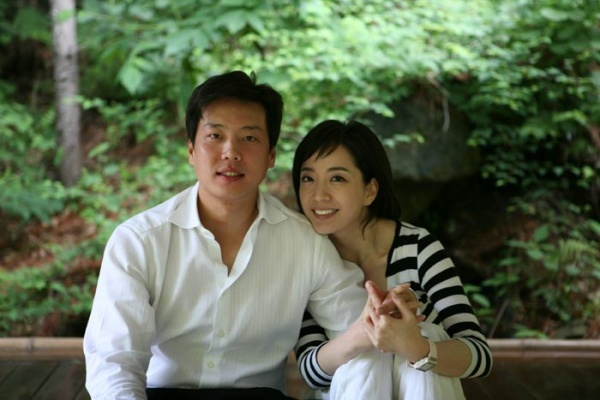 Glamour Couple Talk About New Simple Life Together
