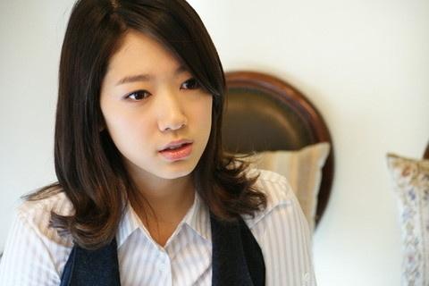 Park Shin Hye Represents Korea at TGC Girls Collection in Shanghai
