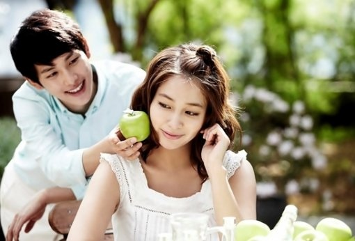 "Lee Min Jung and Lim Siwan's Beautiful CF for ""Skin Food"""