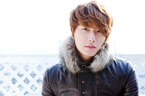 Jung Il Woo's Fashion Faux Pas?