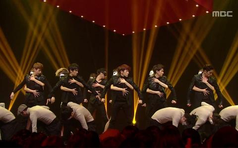 "Shinhwa Performs ""Venus"" on Music Core"