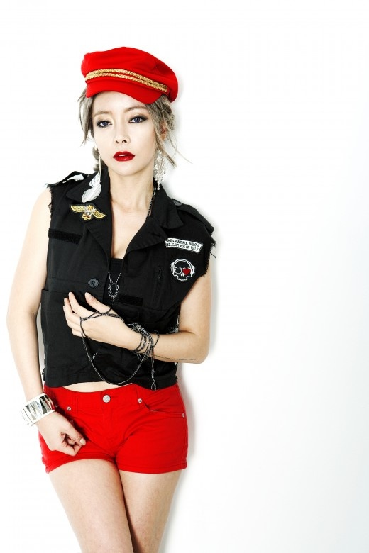 "A ""Reborn"" Hwayobi: Flirtatious Red Lips and Hot Pants"