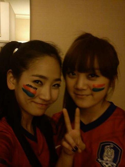 Wonder Girls Root for Korea's World Cup Team