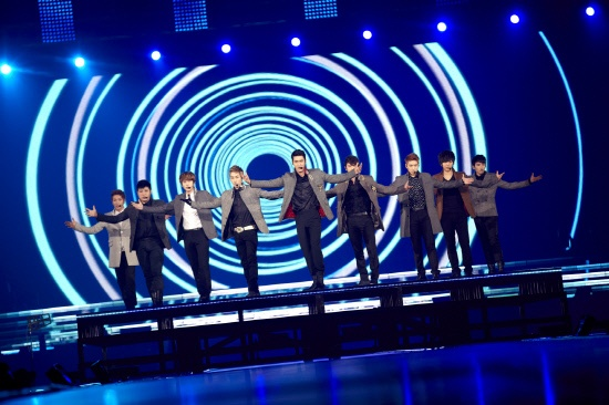 """Super Junior Tops the Oricon & Holds """"Super Show 4"""" in Osaka"""