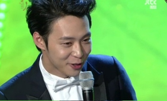JYJ's Park Yoo Chun Sleeps Naked?