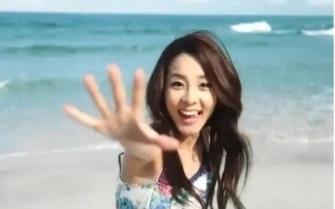 2NE1's Sandara Park and Park Bom Released From YG's Dating Ban