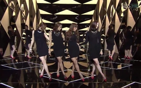 """SISTAR Performs """"Alone"""" on Inkigayo"""